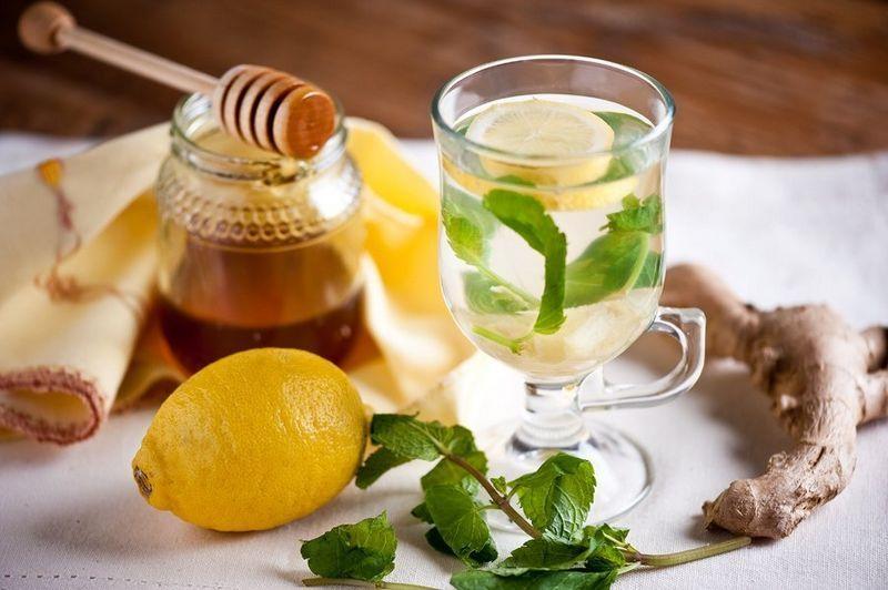 5 рецептов с мёдом и специями от простуды в зимний период