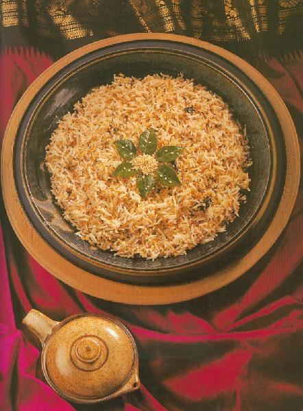 Тил Аюр Карри Патта Бхатх (рис с кунжутом)
