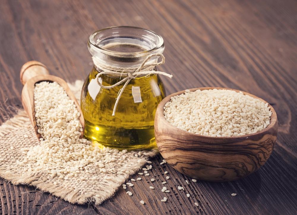 Несколько способов лечебного применения кунжутного масла